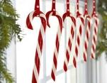 LA VENTANA, guirnalda con bastones navideños